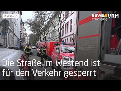 Dachteile drohten in der Frankenstraße abzustürzen