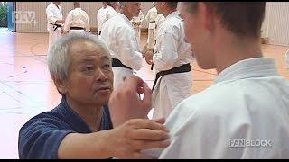 Das diesjährige Karateseminar in Dresden mit dem Großmeister Toshihiro Oshiro besuchten über 100 Teilnehmer aus dem In- und Ausland. Dabei konnten die vornehmlich mit schwarzen Gürteln ausgesatteten Sport ihr können unter Leitung des Großmeisters weiter verbessern. FANBLOCK hat sich das einmal angeschaut.
