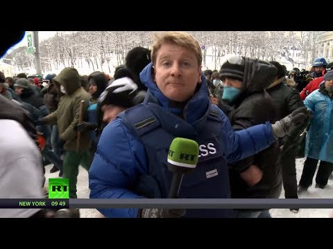 *LIVE* - Peter Oliver and Alexey Yaroshevsky are caught in the middle of crackdown on protesters in Kiev http://newsteam.rt.com/ RT LIVE http://rt.com/on-air Subscribe to RT! http://www.youtube.com/subscr...