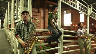 Video MONKEY BOOTS @monkeybootsjkt - Tunggulah Tunggu (Official Video) MP3, 3GP, MP4, WEBM, AVI, FLV Januari 2019
