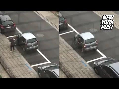 Провальная попытка припарковать компакт-кар