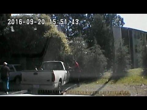 Σάρλοτ: Δεν προκύπτουν απαντήσεις από τα βίντεο του πυροβολισμού