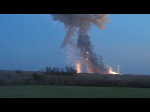 panic - ANTARES EXPLODES!!! Panic at the press site! Orbital's rocket blows up and destroys Cygnus Orb-3.