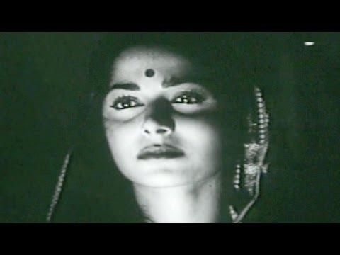 Waqt Ne Kiya Kya Haseen Sitam - Waheeda, Geeta Dutt, Kaagaz Ke Phool Song