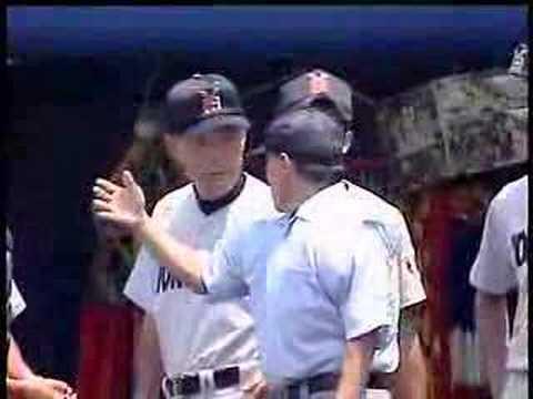 「[野球]高校野球での珍事。振り逃げバッターが本塁まで進塁し3ラン。」のイメージ