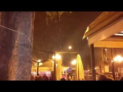 neve su Piazza Yenne - mezz'ora prima di capodanno
