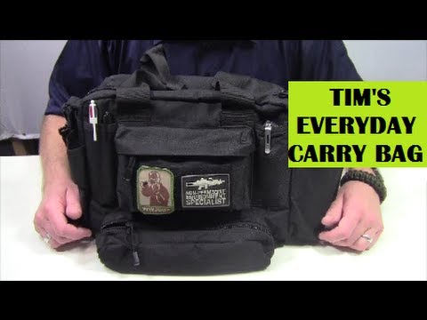 Tim's EDC / Everyday Carry Bag - What's In It (видео)