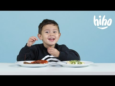 American Kids Try Popular Christmas Dishes From Around the