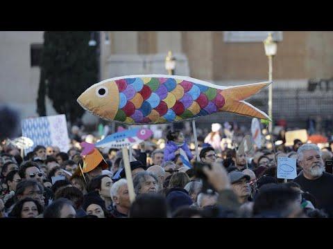 Italien: Massenprotest der »Sardinen«-Bewegung in Rom