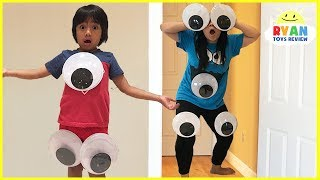 Video Kids Pretend Play with  Mommy and Daddy Giant Magical Googly Eyes MP3, 3GP, MP4, WEBM, AVI, FLV Juli 2018
