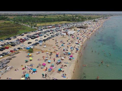 Άνοιξαν οι οργανωμένες παραλίες-Κοσμοσυρροή σε Αθήνα και Θεσσαλονίκη (vid)…