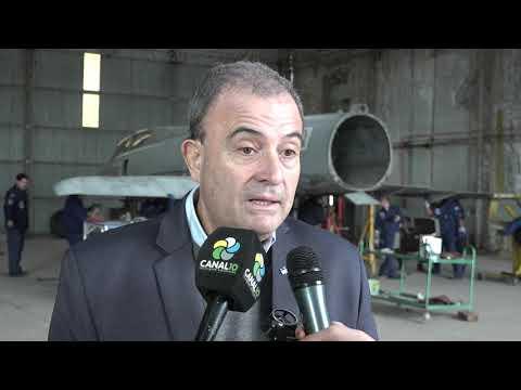 Pedro Pesatti: Preparan avión Mirage para el Memorial Malvinas.