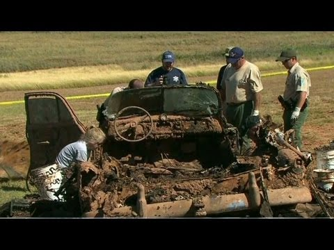 Lake - Two cars and six bodies found in a lake in Oklahoma might solve decades-old mysteries. CNN's Ed Lavandera reports. More from CNN at http://www.cnn.com/