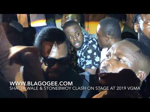 Shatta Wale Fight Stonebwoy On Stage At 2019 Vodafone Ghana Music Awards