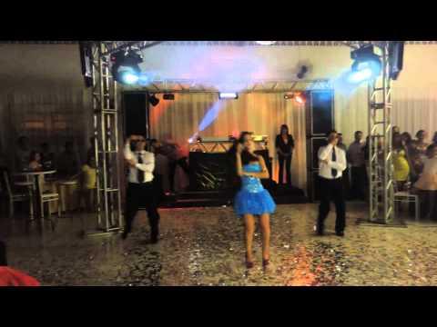 ENTRADA 15 AÑOS - Pout Pourri da dança maluca na segunda entrada da Ediana Souza aniversário de 15 anos com participação dos seus irmãos Giuvago e Messias.