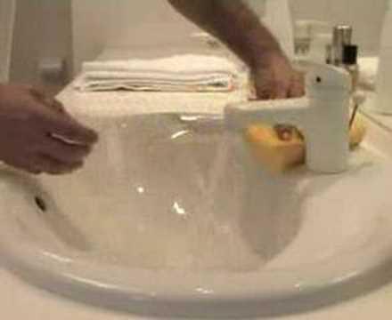 Entretenir votre baignoire en mail avec notre nettoyant - Reparer email baignoire ...