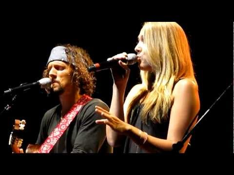Video Jason Mraz - Beautiful Day in the Neighborhood, Fly Me to the Moon & Lucky w/ Colbie Caillat download in MP3, 3GP, MP4, WEBM, AVI, FLV January 2017