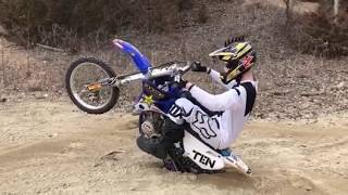 Download Video 2018 EPIC MOTO MOMENTS! | Episode 1 MP3 3GP MP4