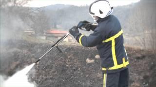 Extinción del fuego más de 30 llantas (caucho) Equipos FAS