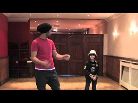 Foji's Pumbeeri Dance Routine (видео)