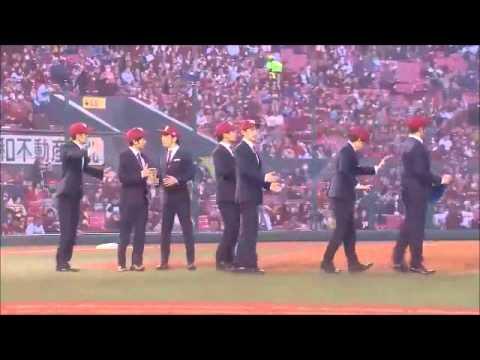 這場棒球賽找來了機械舞天團「World Order」來開球…完全比性感女星還有看頭啊!