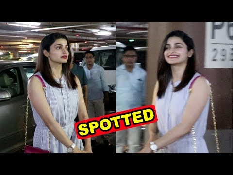 Prachi Desai Spotted At Mumbai Airport