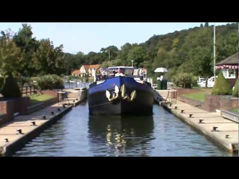 Henley to Mill End via the River Thames round | oxfordshire  Walks