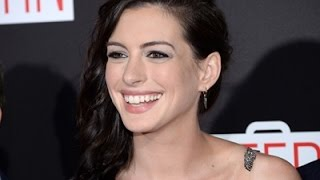 Hathaway Loses Composure Over Mariah Carey