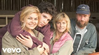 Nonton La Famille B  Lier   Je Vole  Louane  Film Subtitle Indonesia Streaming Movie Download