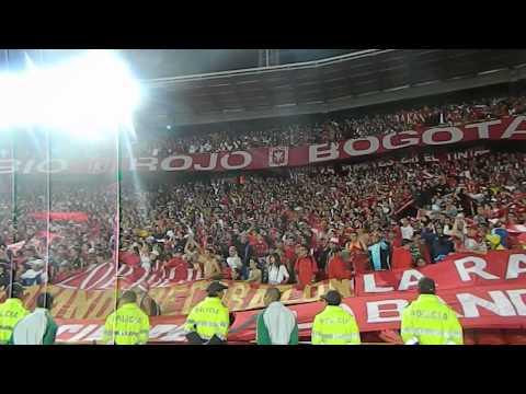 Disturbio Rojo Bogota- Miy8z (31/07/2013)/ Desde pequeño te he prometido - Disturbio Rojo Bogotá - América de Cáli