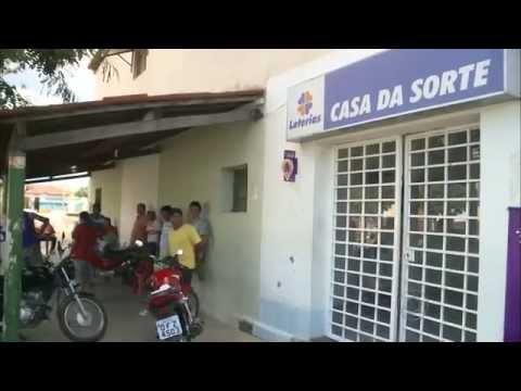 Vídeo de câmera de segurança flagra roubo a lotérica no Lastro