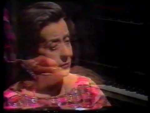 Helena Sá e Costa, piano   Mozart Piano Sonata K.330 in C major