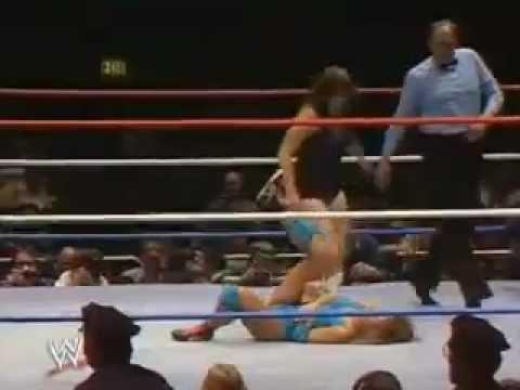 Wendi Richter vs Leilani Kai WWF Wrestlemania I 1985
