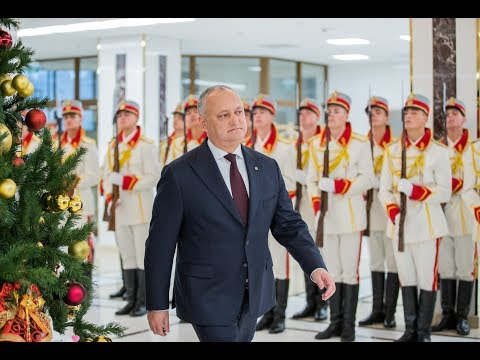 Igor Dodon a înmînat distincții de stat