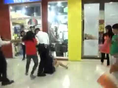 Pinay scandal - http://www.bazics.net/2010/12/pinay-scandal-in-market-market-mall-in.html | A scandalous Youtube video that is fast going viral shows a certain woman in an o...