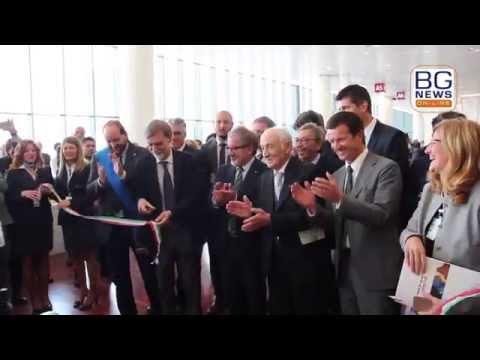Inaugurazione del nuovo terminal, il taglio del nastro