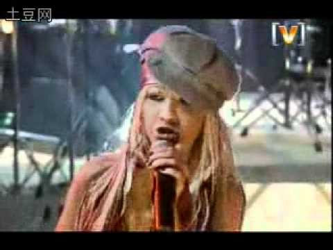 Christina Aguilera – Impossible Official Music Video