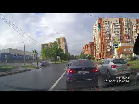 Авария в Питере на улице Бутлерова