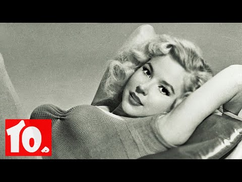 Top 10 Black And White Photos of Sexy Celebrity 1900s