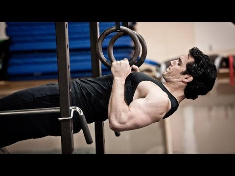 Henry Cavill & Antje Traue Workout 'Man of Steel' Behind The Scenes