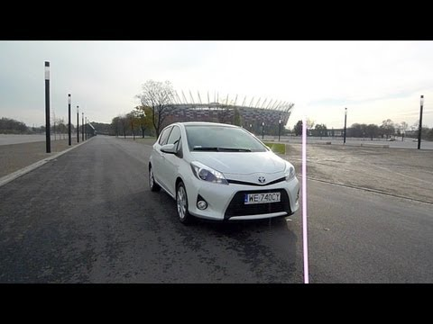 (ENG) Toyota Yaris HSD hybrid – review and road test