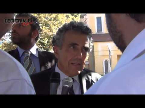 Il Ministro Barca, incontra i precari del Comune dell'Aquila (parte prima)