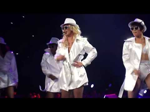 Britney Spears - The Femme Fatale Tour - 3