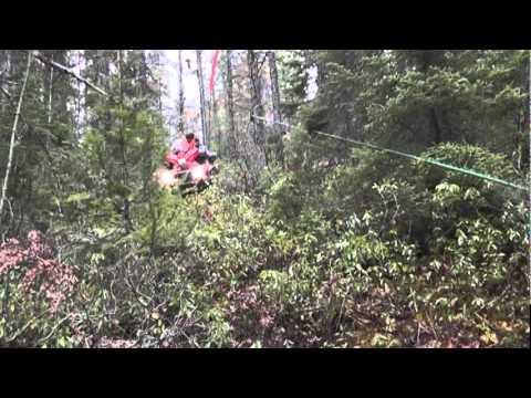 Comment sortir un orignal abattu au pied d'une montagne ?