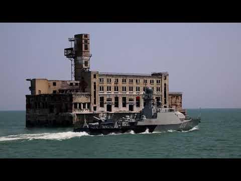 Корабли Каспийской флотилии провели морской бой в рамках подготовки ко Дню ВМФ