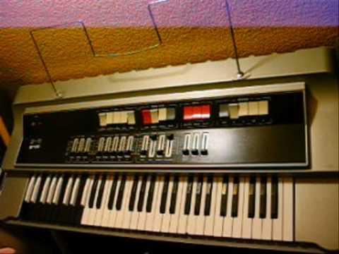 UNITRA ELTRA B 11 Polski instrument klawiszowy. Polish keyboard instrument.