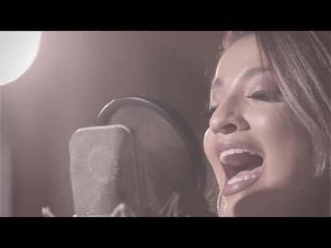 Isabella Lopes se prepara para lançar seu primeiro CD após sucesso de clipe