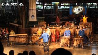 Video Symphony no.40 Mozart (cover) by Saung Angklung Udjo, Bandung MP3, 3GP, MP4, WEBM, AVI, FLV September 2017