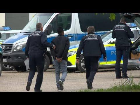 Asylbewerber: Verbot der Wiedereinreise von Seehofer ist offenbar wirkungslos