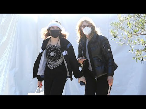 Laura Dern And Daughter Jaya Step Out To Shop Before Ringing In The New Year